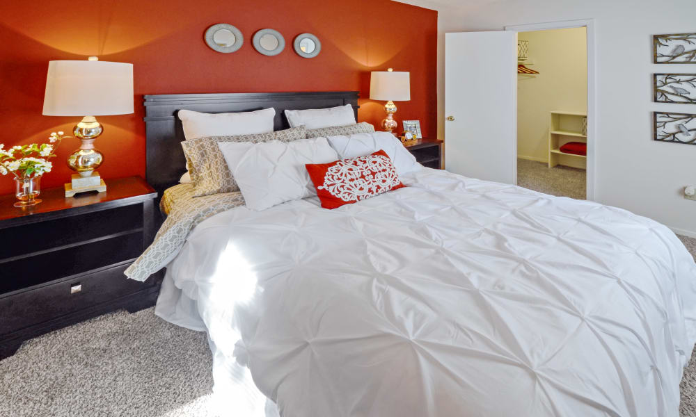 Master bedroom at Waterview Apartment Homes in Memphis