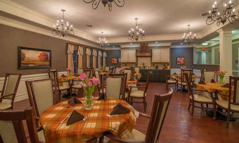 Dining hall at The Lantern at Morning Pointe Alzheimer's Center of Excellence