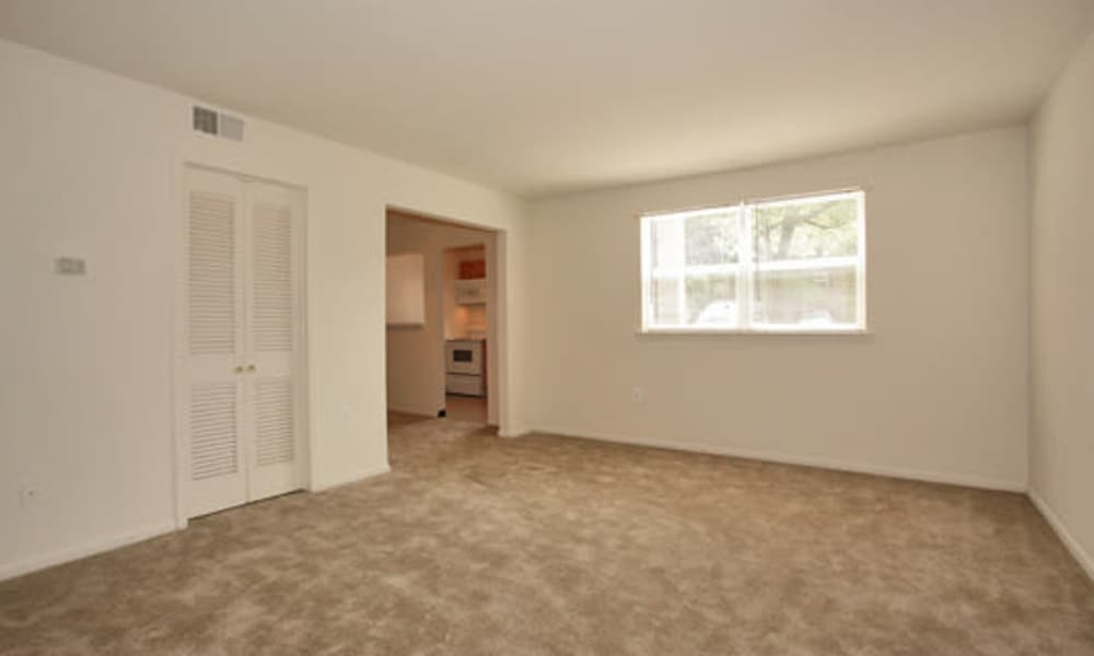 Woodcrest Apartment Homes offers a naturally well-lit bedroom in Dover, DE
