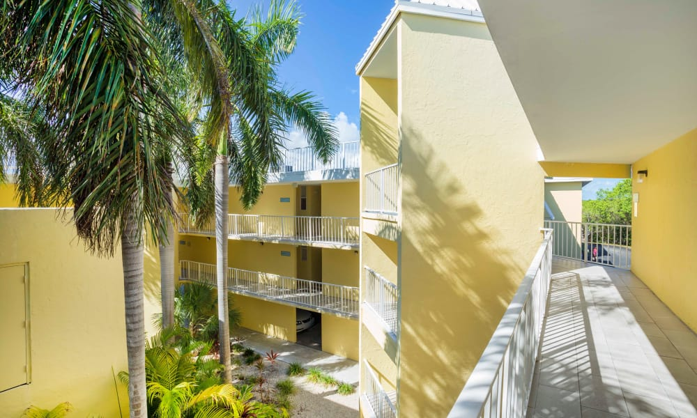 Large courtyard at Ocean Walk Apartments in Key West