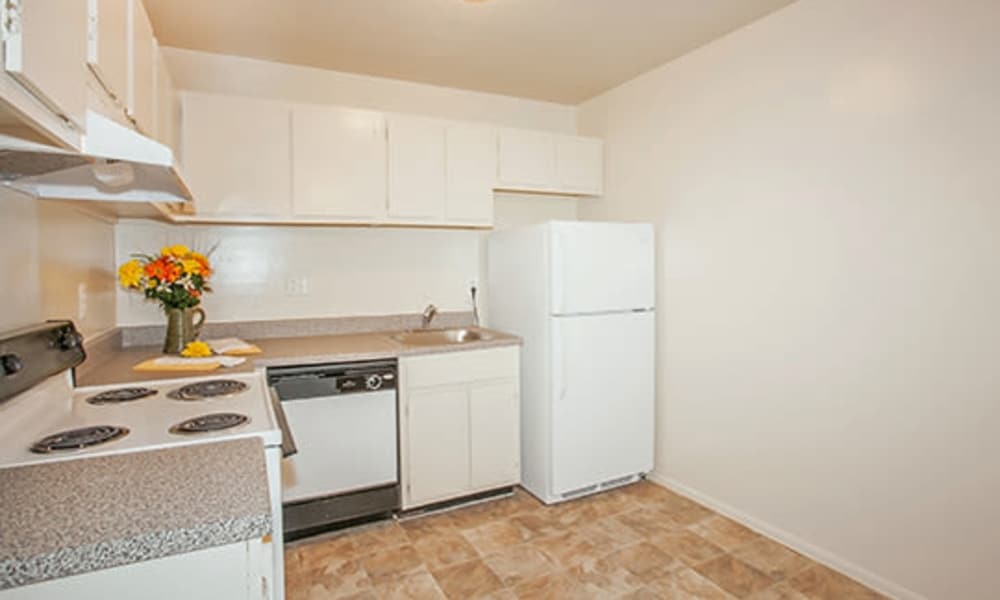 Westwood Gardens Apartment Homes offers a fully equipped kitchen in Thorofare, NJ