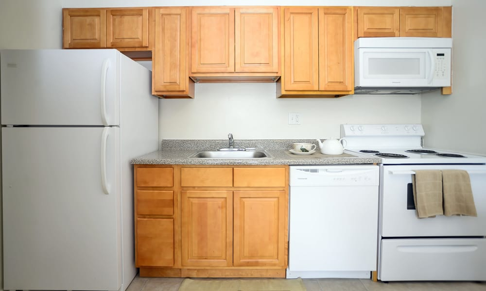 The Colonials Apartment Homes offers a kitchen in Cherry Hill, NJ