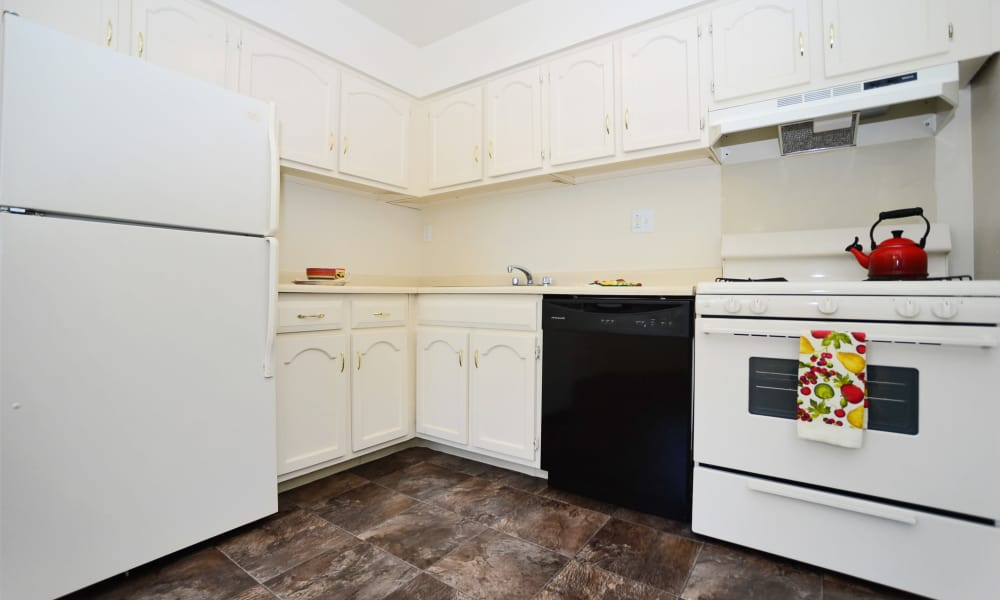 Fully equipped kitchen at The Fairways Apartment Homes in Blackwood, NJ