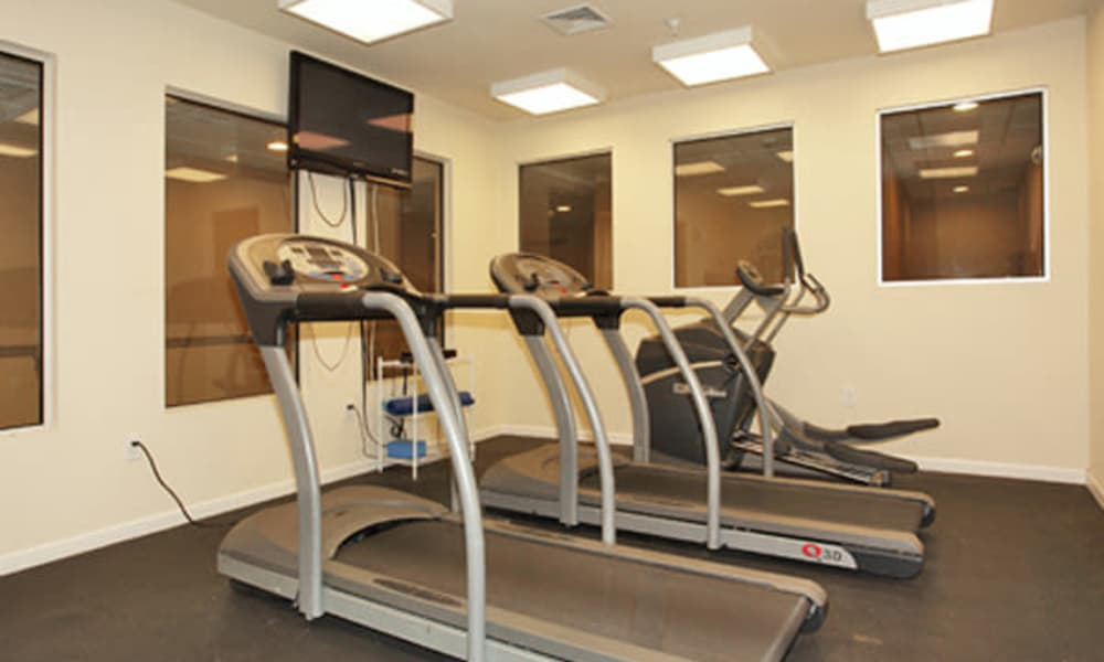 Cranford Crossing Apartment Homes offers a fitness center in Cranford, NJ