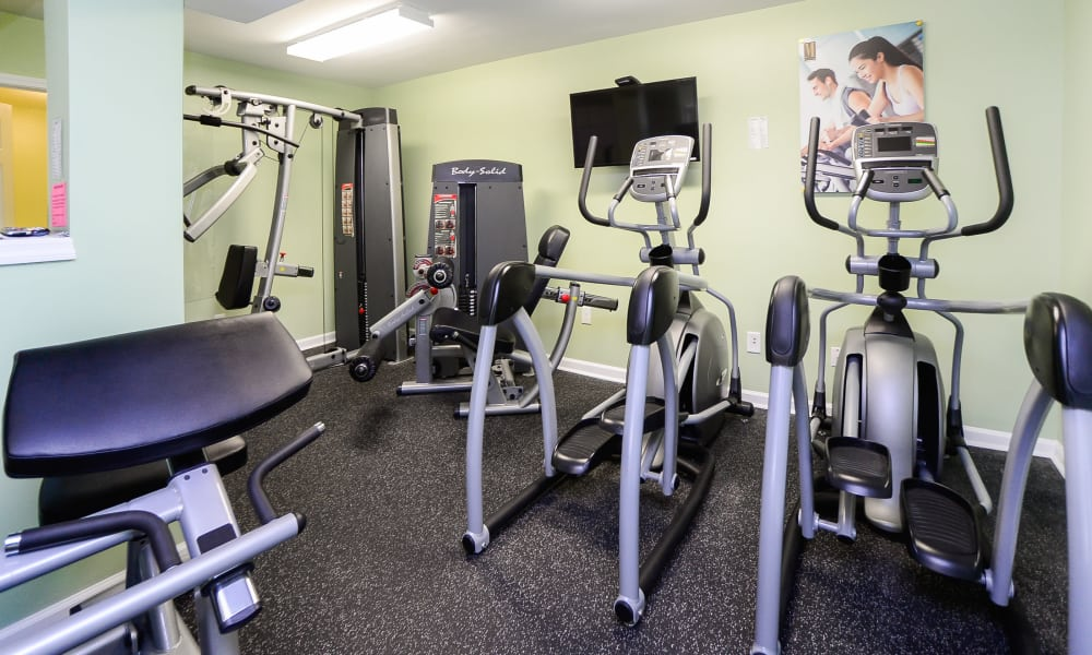 Mews at Annandale Townhomes offers a fitness center in Annandale, NJ
