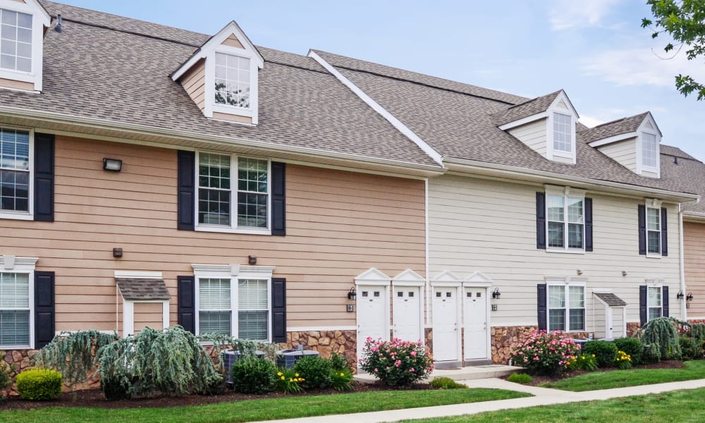 Courtyard at Montgomery Manor Apartments & Townhomes in Hatfield, PA