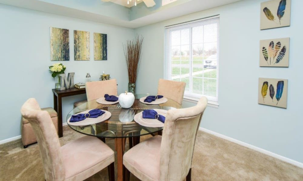 Montgomery Woods Townhomes offers a dining room in Harleysville, PA