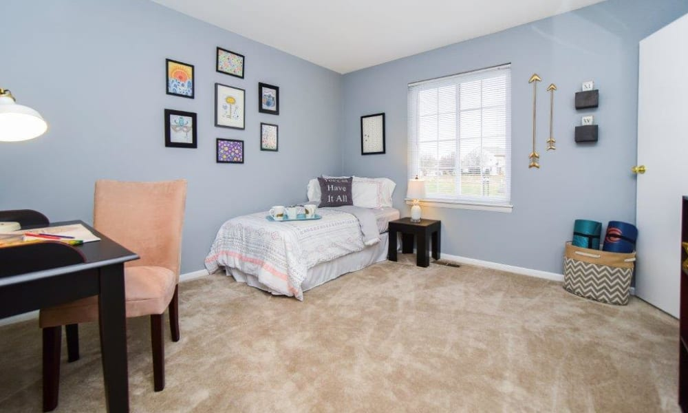 Montgomery Woods Townhomes offers a naturally well-lit bedroom in Harleysville, PA