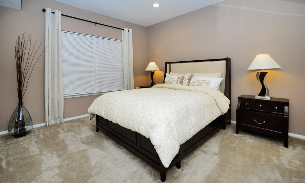 Woodview at Marlton Apartment Homes offers a bedroom in Marlton, NJ