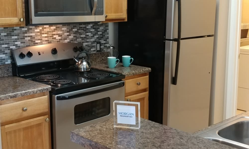 Upgraded kitchen at Heather Park Apartment Homes