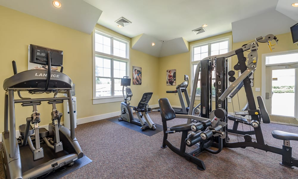 Fully equipped fitness center at Heather Park Apartment Homes