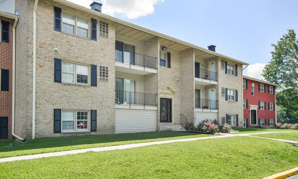Our apartments in Reisterstown, MD offer a walking paths