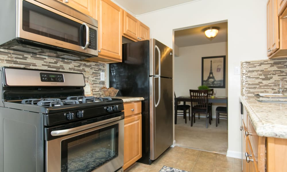 Our apartments in Glen Burnie, MD showcase a modern kitchen