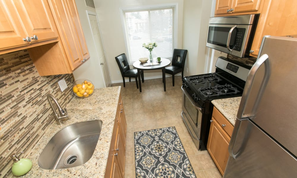 Modern kitchen at Chesapeake Glen Apartment Homes in Glen Burnie, MD
