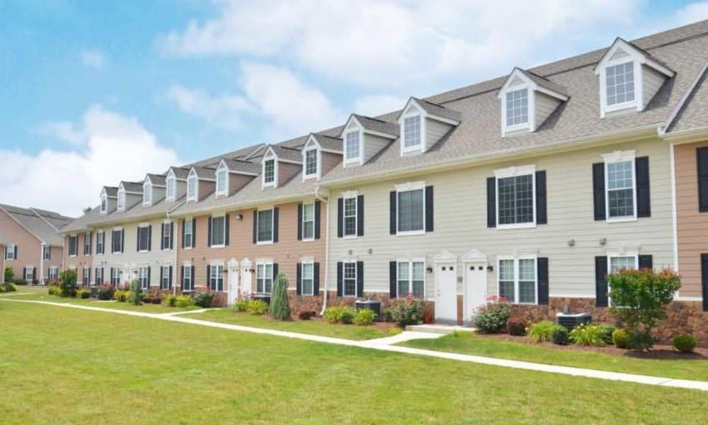 Well landscaped courtyard at Montgomery Manor Apartments & Townhomes