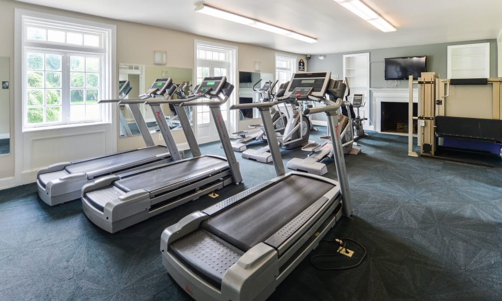 Fitness center at Henry on the Park Apartment Homes