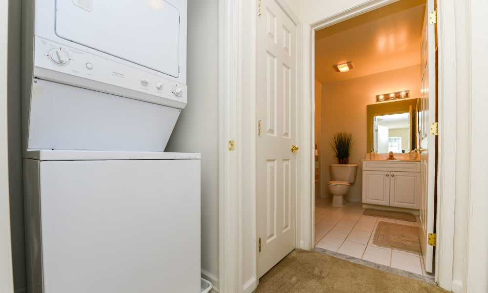 Washer and dryer at The Horizons at Franklin Lakes Apartment Homes