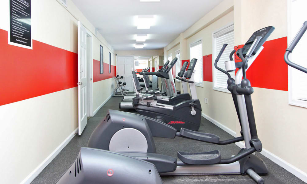 Lighthouse at Twin Lakes Apartment Homes offers a fitness center in Beltsville, MD