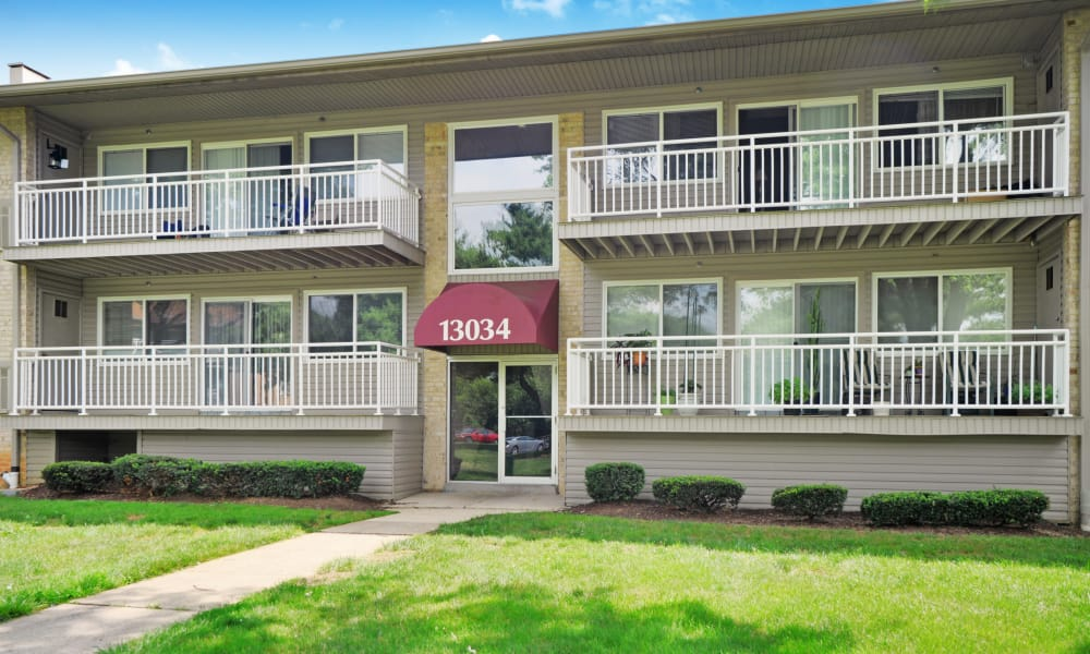 Exterior of Willow Lake Apartment Homes in Laurel, MD