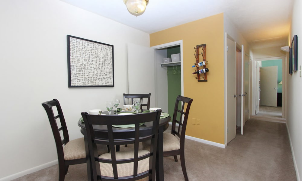 Dining room at Villages at Montpelier Apartment Homes in Laurel, MD