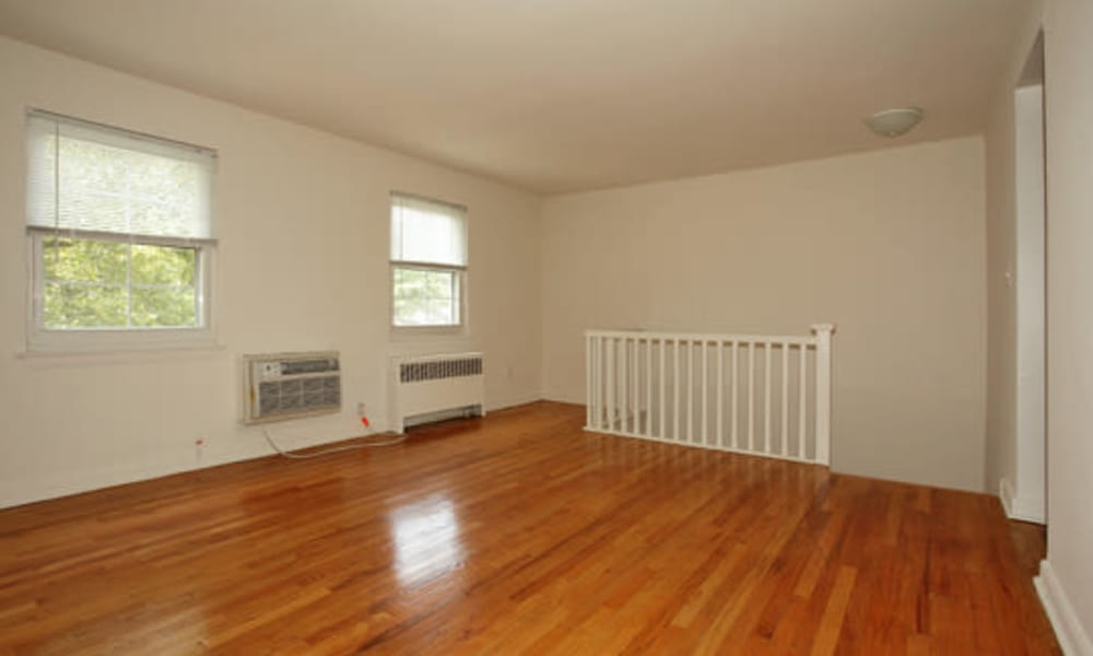 Apartments with hardwood floors in Springfield, NJ
