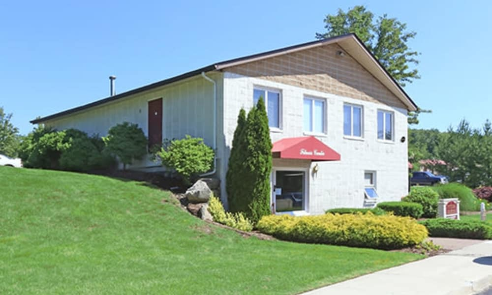 Leasing house at Imperial Gardens Apartment Homes in Middletown, NY
