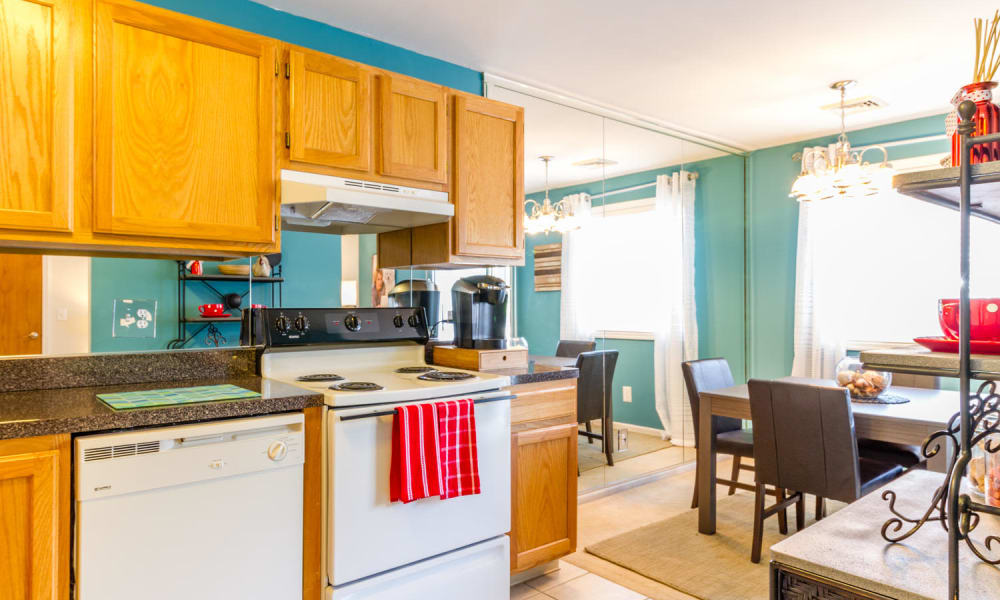 Imperial Gardens Apartment Homes Offers A Beautiful Kitchen In Middletown,  NY