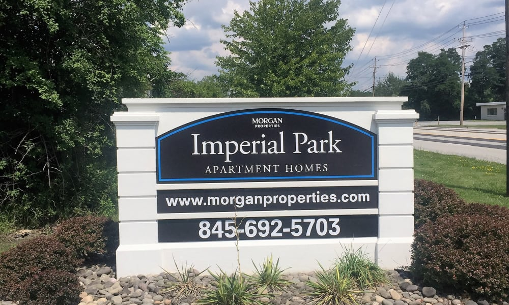 Sign age at Imperial Gardens Apartment Homes in Middletown, NY