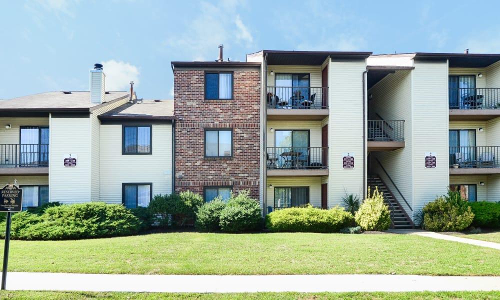 Exterior of apartments at Cranbury Crossing Apartment Homes