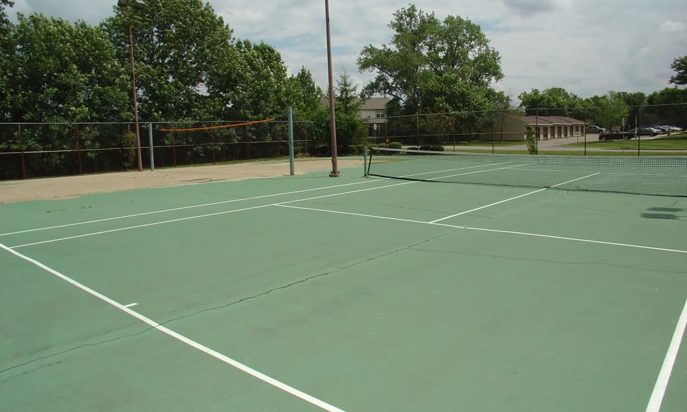 Tennis courts at Hidden Lakes Apartment Homes in Miamisburg, Ohio