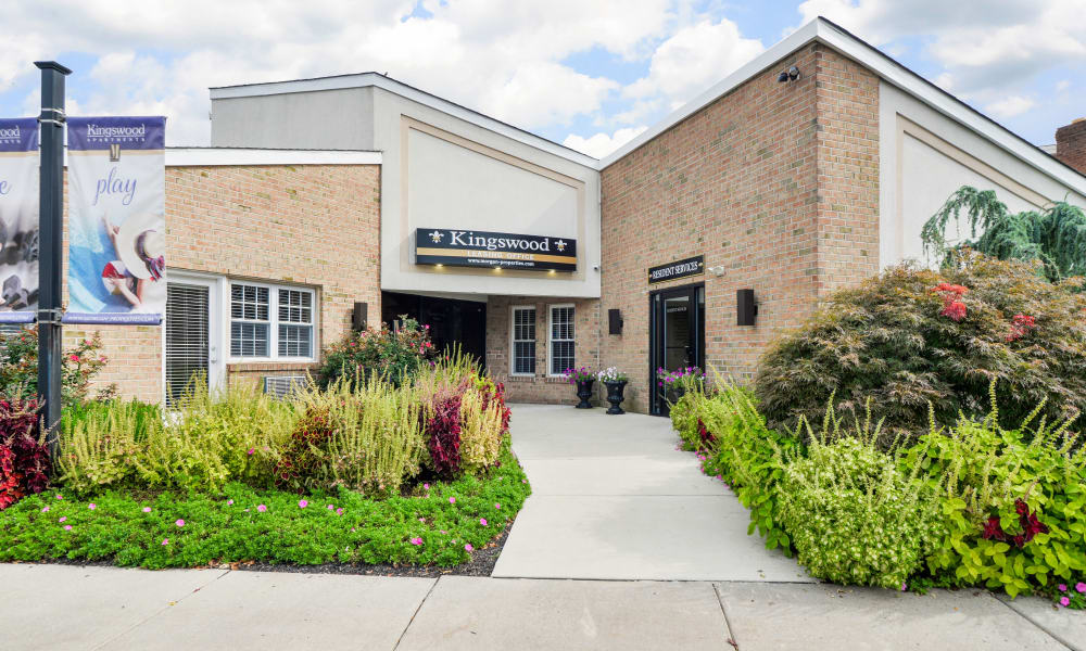 Exterior view of Kingswood Apartments & Townhomes Entrance in King of Prussia, Pennsylvania