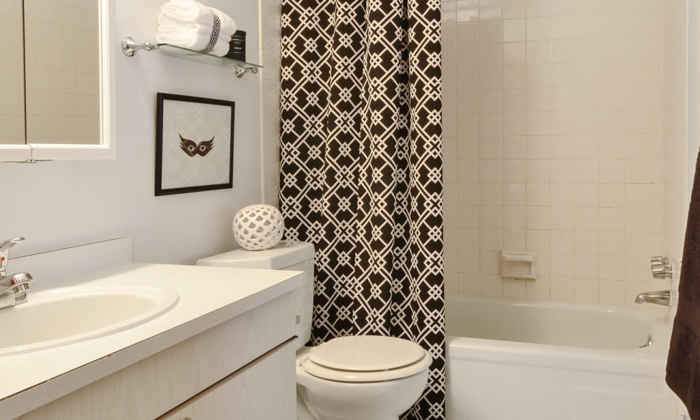 Model bathroom at William Penn Village Apartment Homes in New Castle, Delaware