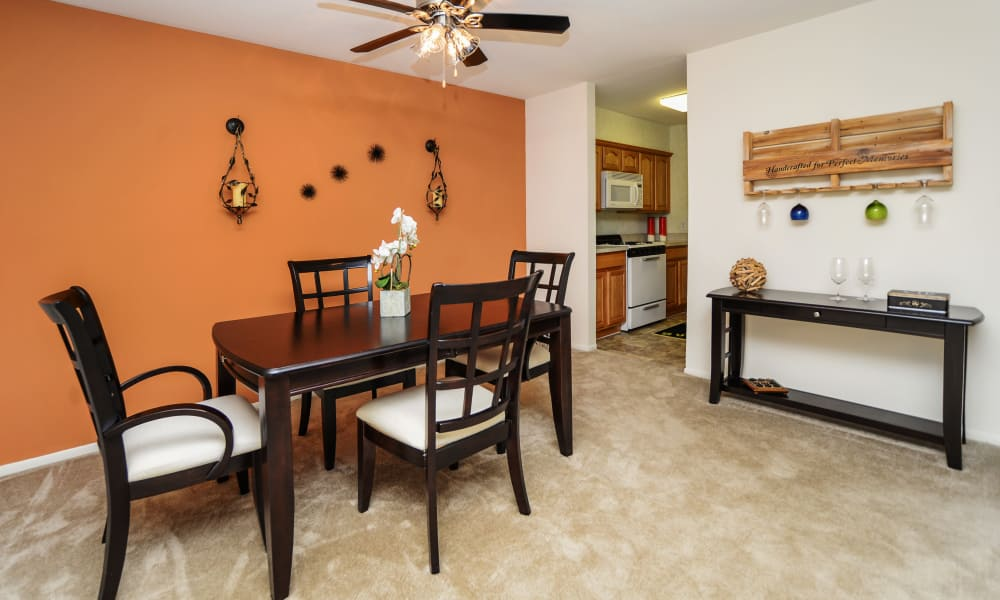 Dining room at Lakewood Hills Apartments & Townhomes in Harrisburg, PA