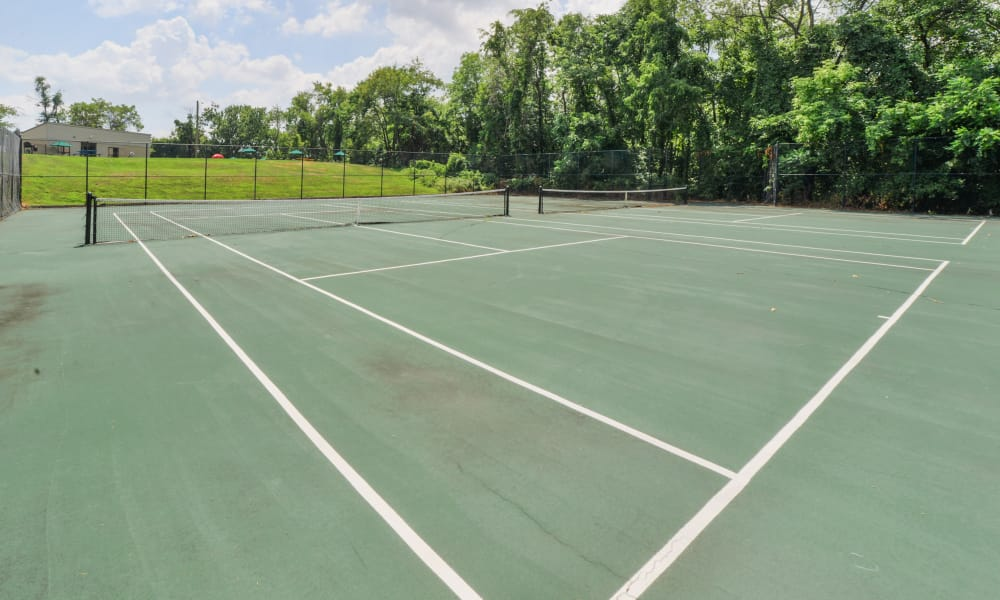 Tennis court at Lakewood Hills Apartments & Townhomes in Harrisburg, PA