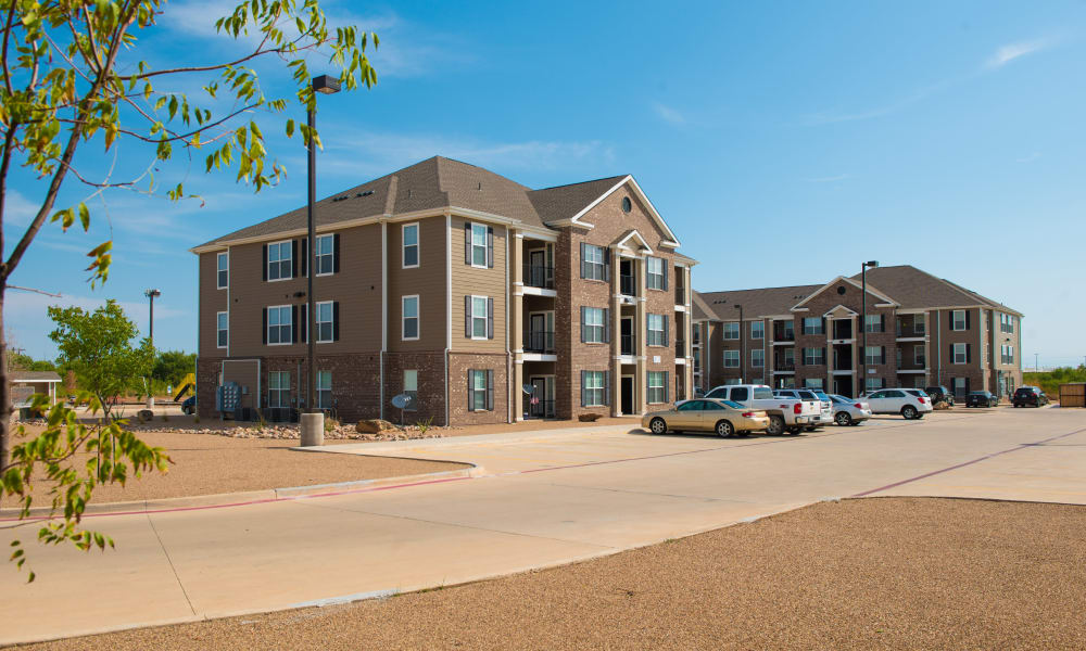 Apartment buildings at The Reserves at Maplewood
