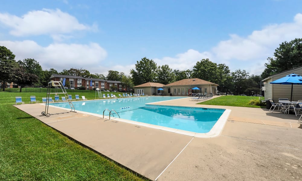 Large pool at Skylark Pointe Apartment Homes