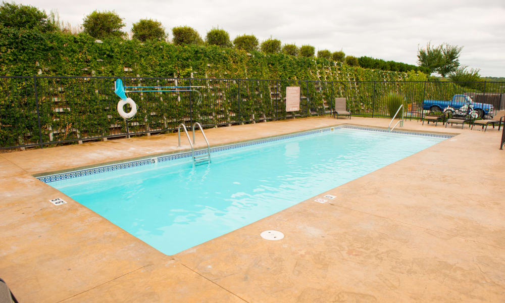 Sparkling swimming pool at Highland Ridge Apartments