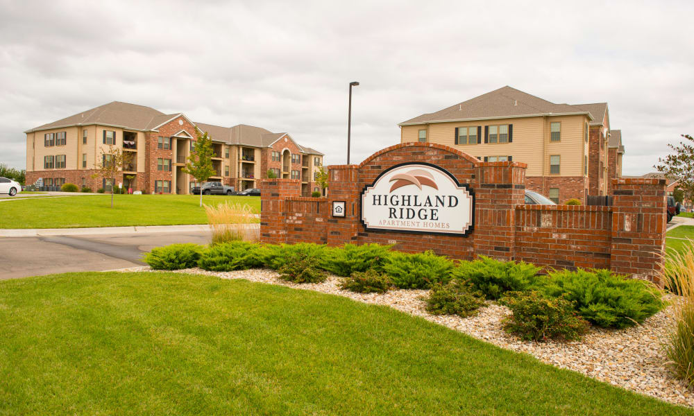 Signage at Highland Ridge Apartments in Manhattan, KS