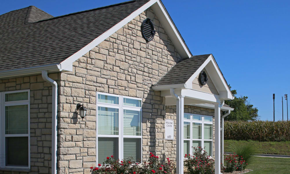 Front view of apartment at Reserves at Briarwood
