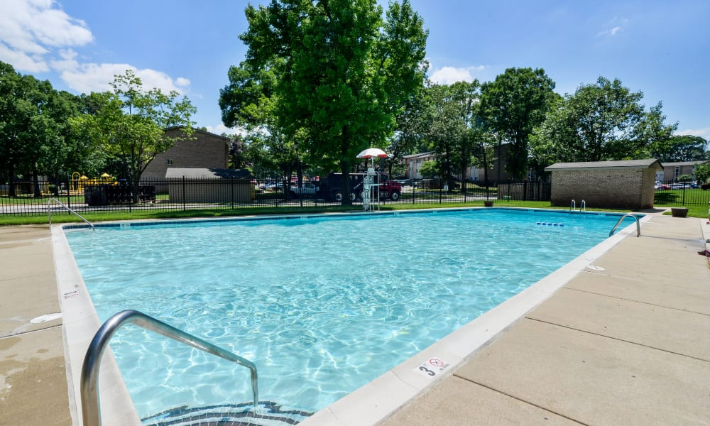 Cedar Creek Apartment Homes offers a swimming pool in Glen Burnie, MD