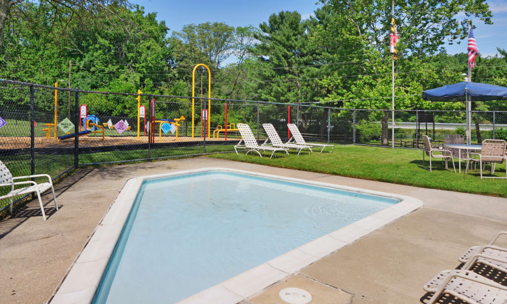 Kids Swimming Pool at Arbors at Edenbridge Apartments & Townhomes in Parkville, MD