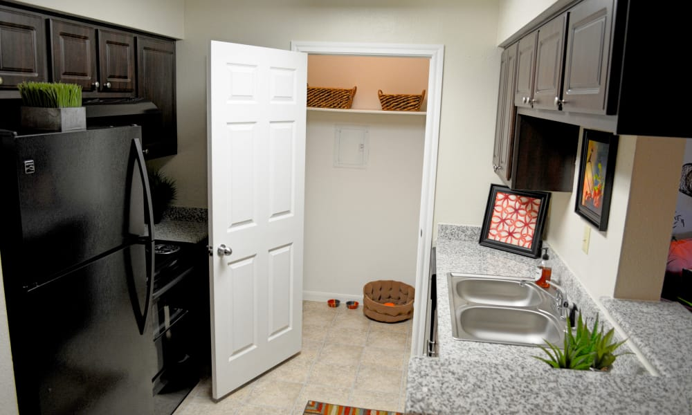 The Abbey At Enclave apartments with a well-equipped kitchen in Houston