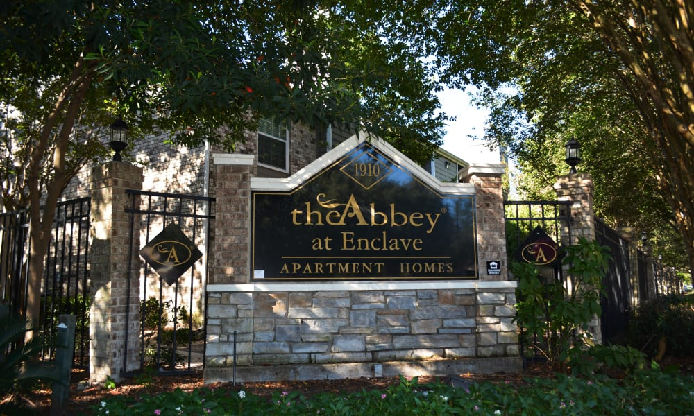 The Abbey At Enclave sign in Houston, TX