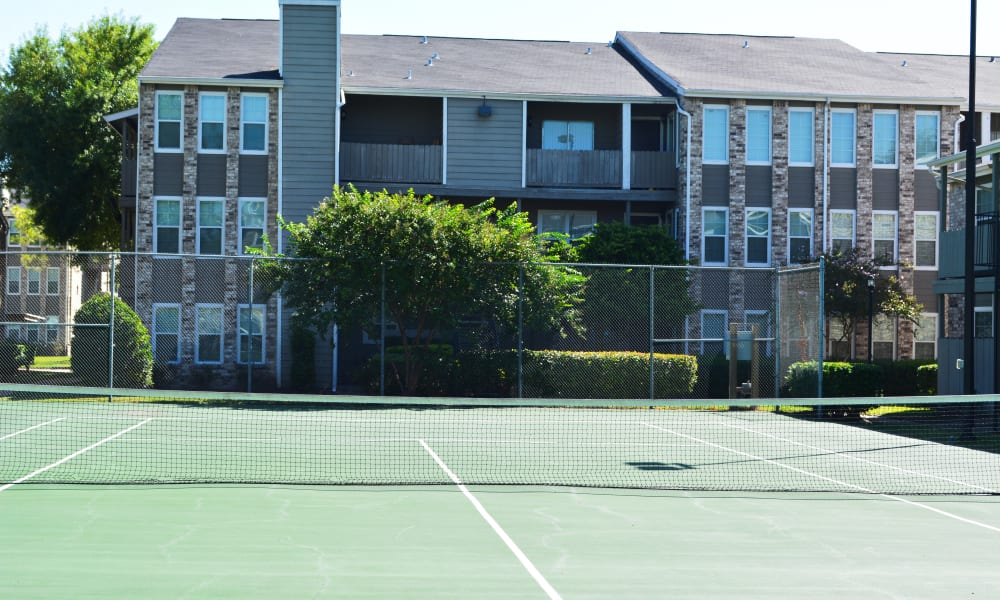 The Abbey At Enclave tennis court in Houston