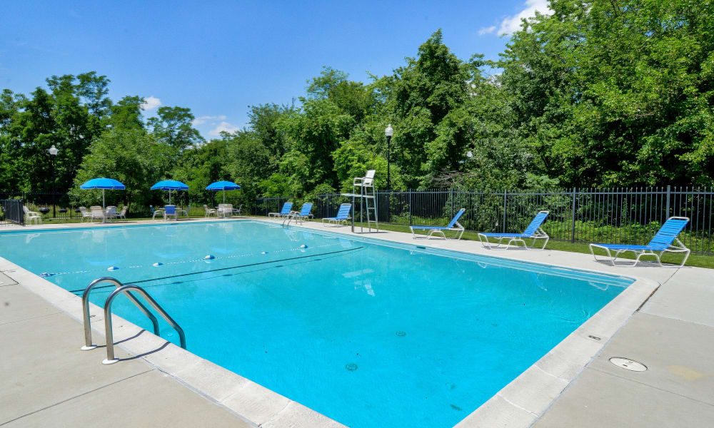 Ross Ridge Apartment Homes offers a swimming pool in Baltimore, MD