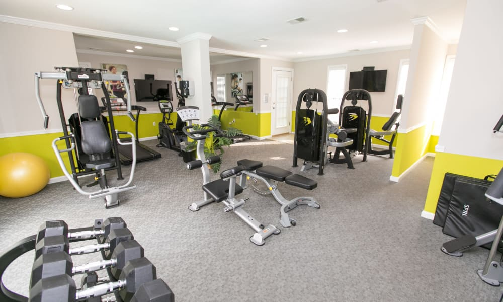 Apartments with a renovated fitness center