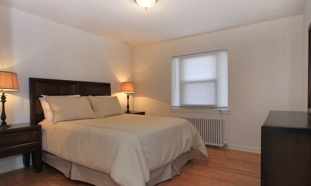 Our apartments in Elmwood Park, New Jersey have a state-of-the-art bedroom