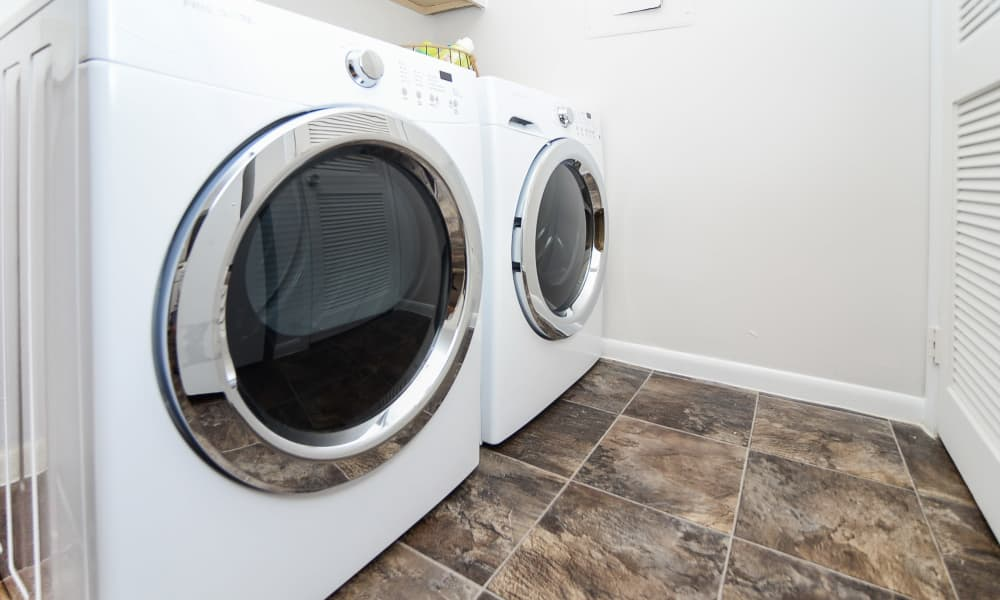 Absecon, New Jersey apartments with whirpool appliances