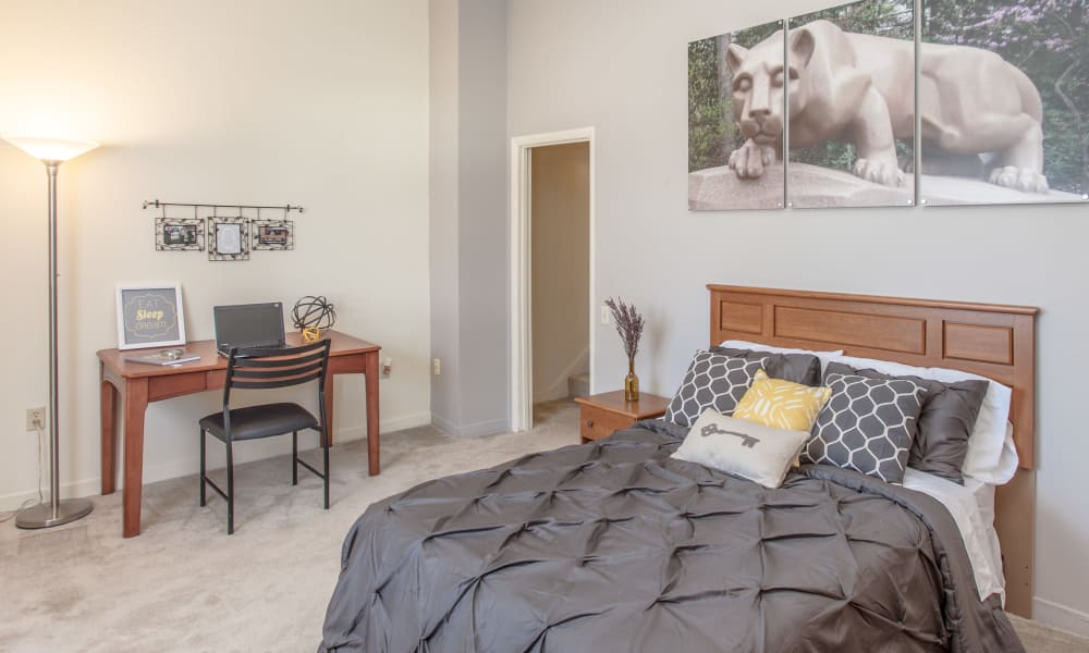 Enjoy a beautiful bedroom at Briarwood Apartments & Townhomes