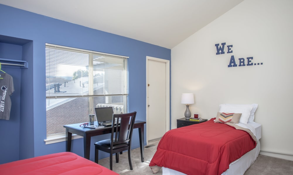 Briarwood Apartments & Townhomes offers a natrually well-lit bedroom in State College, Pennsylvania